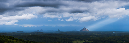 lightontheglasshouse500.jpg
